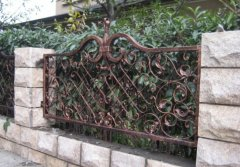 杏彩专业生产设计欧式铁艺围栏