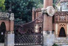 设计铁艺艺术品围栏