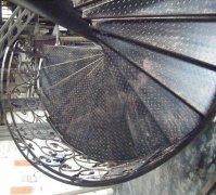 锻造铁艺旋转楼梯