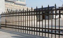 室外的铁艺围栏的保养和维护