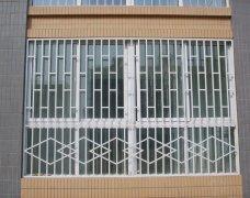 如何分别中式铁艺窗与欧式铁艺窗