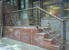 别墅户外铁艺楼梯