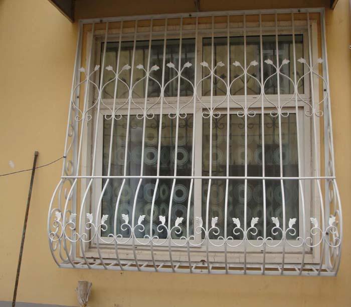 铁艺防护窗