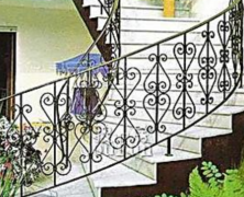 让铁艺楼梯生产厂家教你如何甄别高档铁艺楼梯