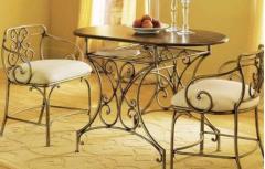 地中海家居设计时候选择铁艺家具吗?